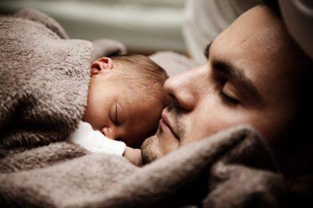baby schläft nachts nicht ein oder durch